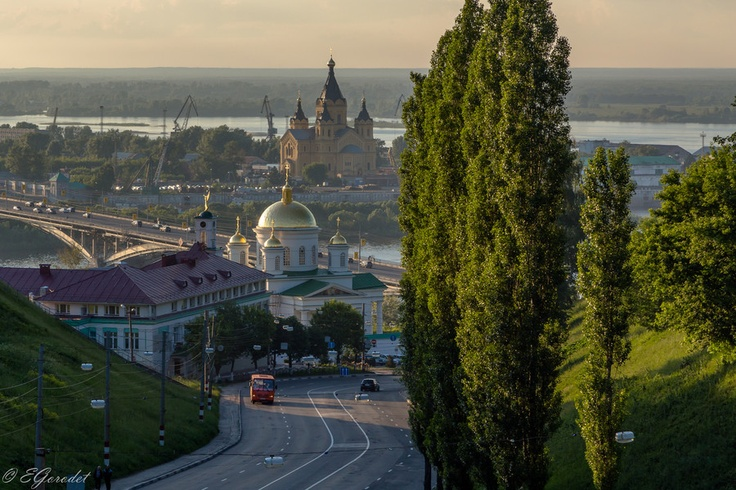 View at the Blagoveshenskiy monastery and church of Alexander Nevskiy from the Pohvalinsky descent in Nizhny Novgorod city, Russia.