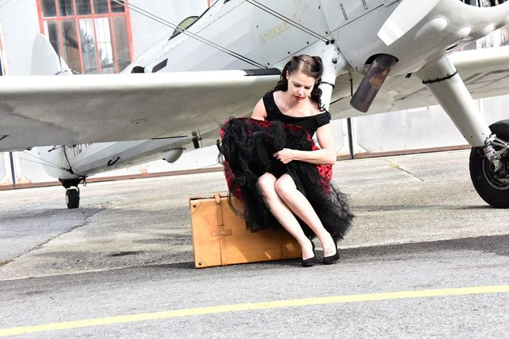 Our favorite one from this Vintage Photoshooting Photographer: Jack Frei Outfit: Lindy Bop