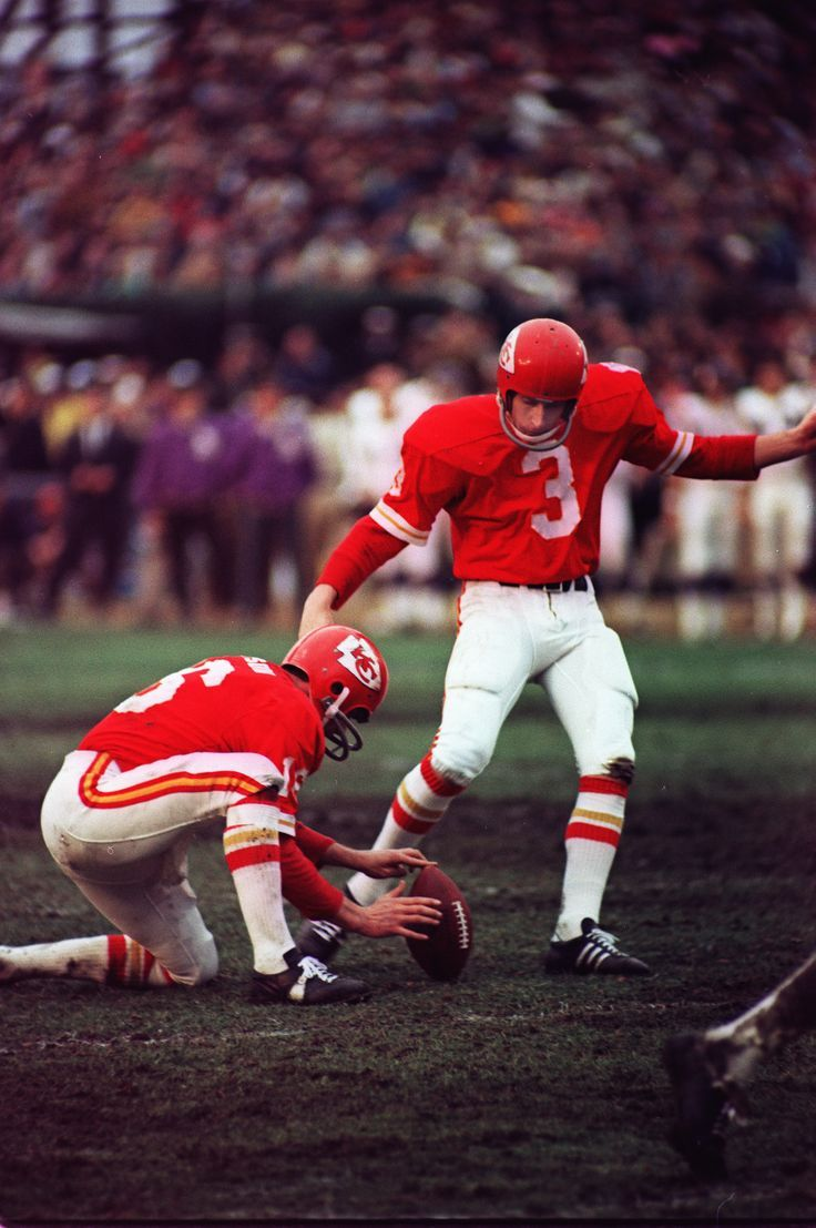 Jan Stenerud Kansas City Chiefs 1967-79, Green Bay Packers 1980-85 and Minnesota Vikings 1984-85. HOF Class '91.