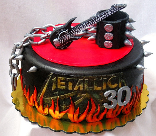 Wonder if it tastes as good at it looks?? This Metallica cake is amazing!