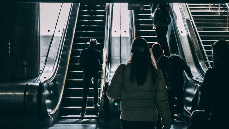 escalera, mecánica, gente, metro, elevación, subida, 1706052154