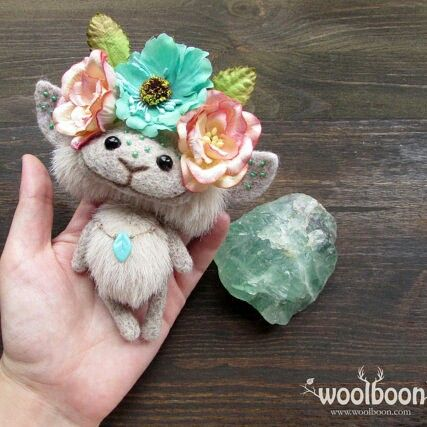 Fantasy fairy art doll by @woolboon  We love minis! If you are looking for a adorable miniature woodland fairy to accompany you on your daily adventures, this fantasy art doll is the friend for you. Made to order.  Shop owner Anna creates incredible fantasy and fairytale creatures that you can enjoy at any age.  woolboon.etsy.com