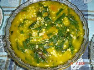 Tinutuan atau yang dikenal dengan bubur Manado merupakan makanan khas Manado yang paling terkenal.  Makanan ini terdiri dari beras, jagung, air, garam, ubi merah, labu kuning, singkong, bayam, kangkung, daun serai, kunyit, daun bawang dan kemangi. Bubur Manado biasanya disajikan dengan ikan cakalang, nike (sejenis ikan teri tetapi dengan ukuran yang lebih kecil dan hanya ada di Danau Tondano), rica roa atau bakasang.