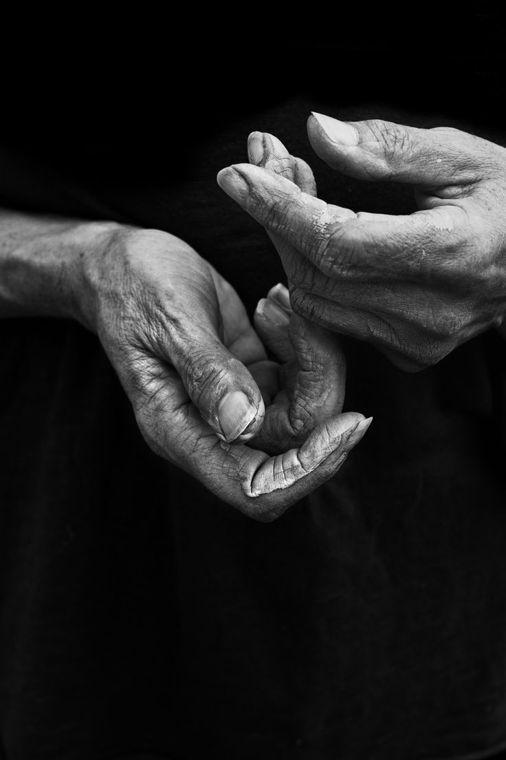 aunt-black-and-white-pictures-of-hands-celebrities