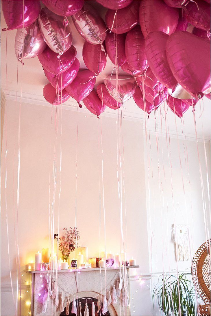 heart balloons for Valentine's Day {cute idea} #loveisallyouneed