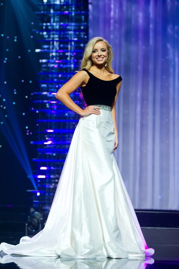 All eyes were on Erin Snow, Miss Alabama Teen USA 2016, as she glided across the Miss Teen USA 2016 stage this past weekend! Erin caught the eyes of the judges wearing this black and white evening gown and finished 3rd Runner-up.
