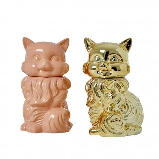 SO much more then just a cookie jar! This cat shaped ceramic jar is ready to hold all your goods in style!