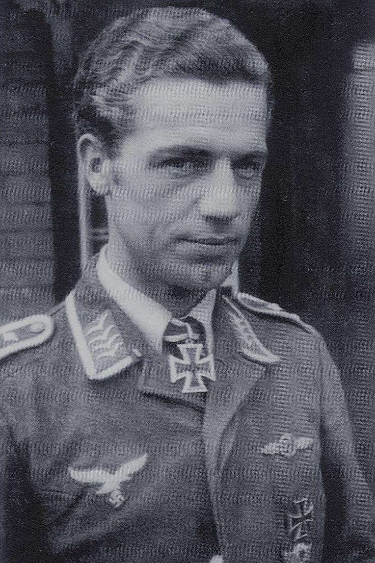 Oberfeldwebel Paul Gildner (1914-1943), Flugzeugführer in der 3./Nachtjagdgeschwader 1, Ritterkreuz 09.07.1941, Eichenlaub (196) 26.02.1943