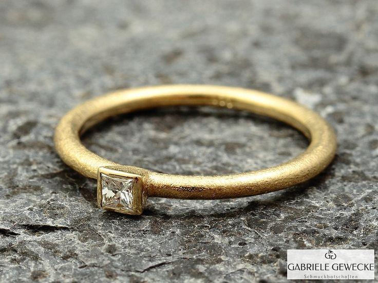 Verlobungsring, 0,11ct Princess Cut in 585er Gold von Schmuckbotschaften auf DaWanda.com