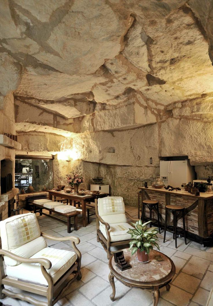 Montsoreau maison troglodytique troglo pinterest for Maison a decorer