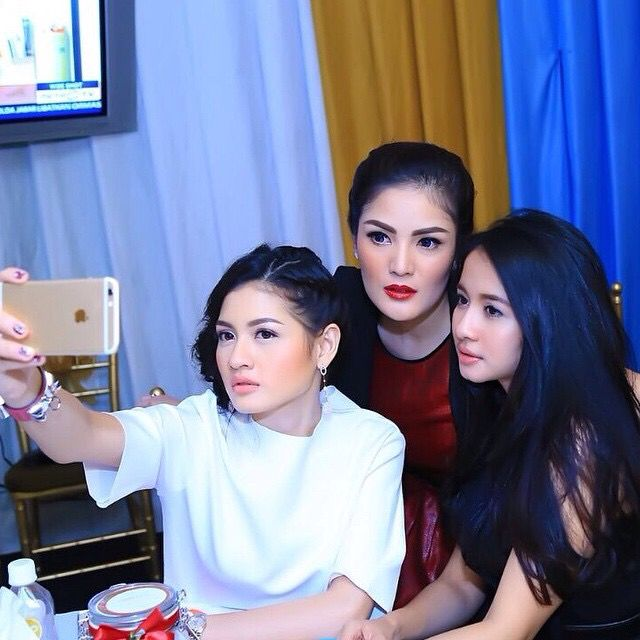 Selly Wilson - Nindy Parasady - Laudya Cynthia Bella
