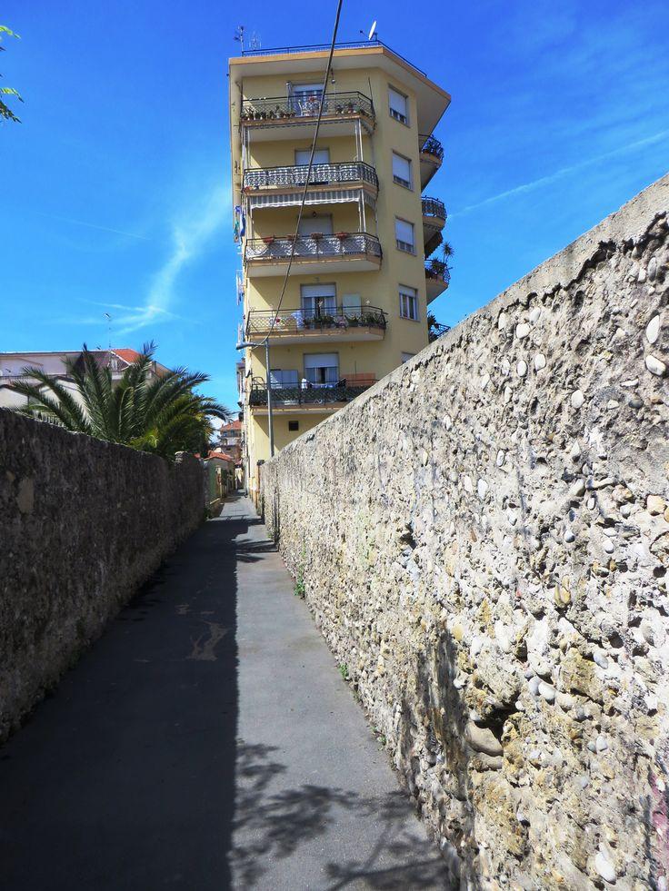 Ventimiglia (IM) - Via Cabagni Baccini