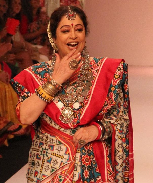 Kirron Kher is her bubbly self in Amrapali silver jewellery at Lakme Fashion Week. Visit the AMRAPALI store in Forum mall to check the interesting collection this season.