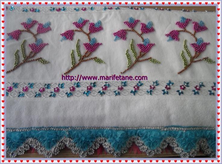 Boncuk İşlemeli Havlu Kenarı Modelleri:http://www.marifetane.com/2012/12/boncuk-islemeli-havlu-kenar-modelleri.html
