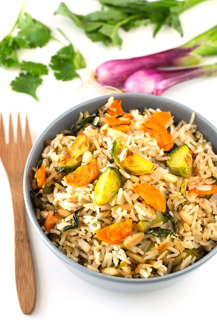 Vegan brussels sprout fried rice | simpleveganblog.com #vegan #glutenfree