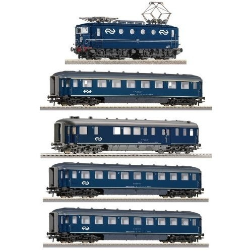 Amazon.com: ROCO HO Scale Digital Starter Set Dutch Express: Toys  Games