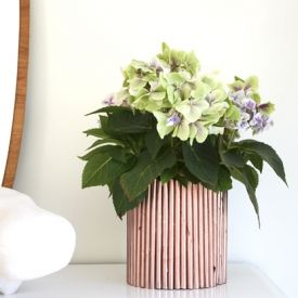 I´ll show you how to transform your garbage to this beautiful copper vase. In swedish.