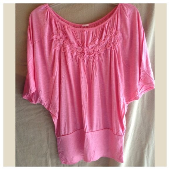 Cute Pink Top Cute Batwing sleeve top with cute detail Tops