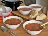 Sopa de vegetales  Prepare un plato nutritivo y delicioso para su familia con los ingredientes que tiene a la mano.