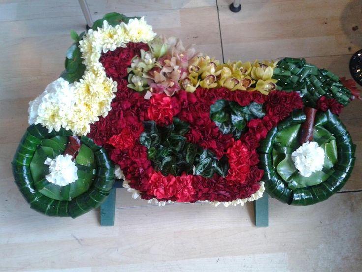 11 besten Fiori funeral flowers Bilder auf Pinterest | weiße Pferde