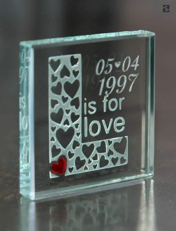 """Personalised Glass Token """"L is for Love"""" by Spaceform."""