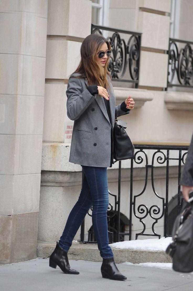 Miranda Kerr Leaves Her Apartment on the Upper East Side in New York, February 2014.