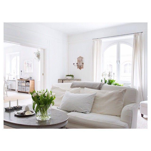 God natt #vardagsrum #hemnet #inredning #interior4all #interior123 #interiorinspo #hem #heminredning #interiordesign #interiordecoration #deco #myhome #myhouse #inredningsdetalj #finahem #mitthem #interior #interiör #design #inspiration #homedecor #interiors #dagensinterior #interiorforyou #inredningstips #nordiskehjem #mitthem #esny bild @eklundstockholmnewyork