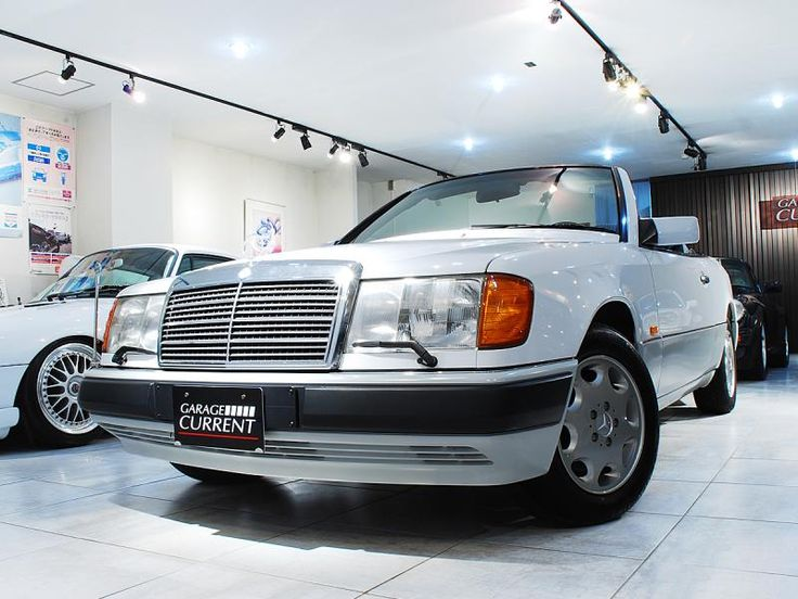 1993 mercedese benz 320ce a124 cabriolet 4 800km garage current mercedes. Black Bedroom Furniture Sets. Home Design Ideas