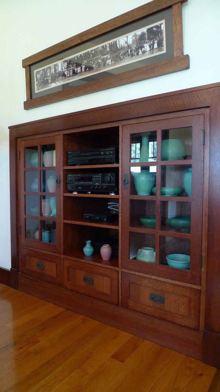 Craftsman - Bungalow - Arts & Crafts - Pottery - Larkin built-in cabinets