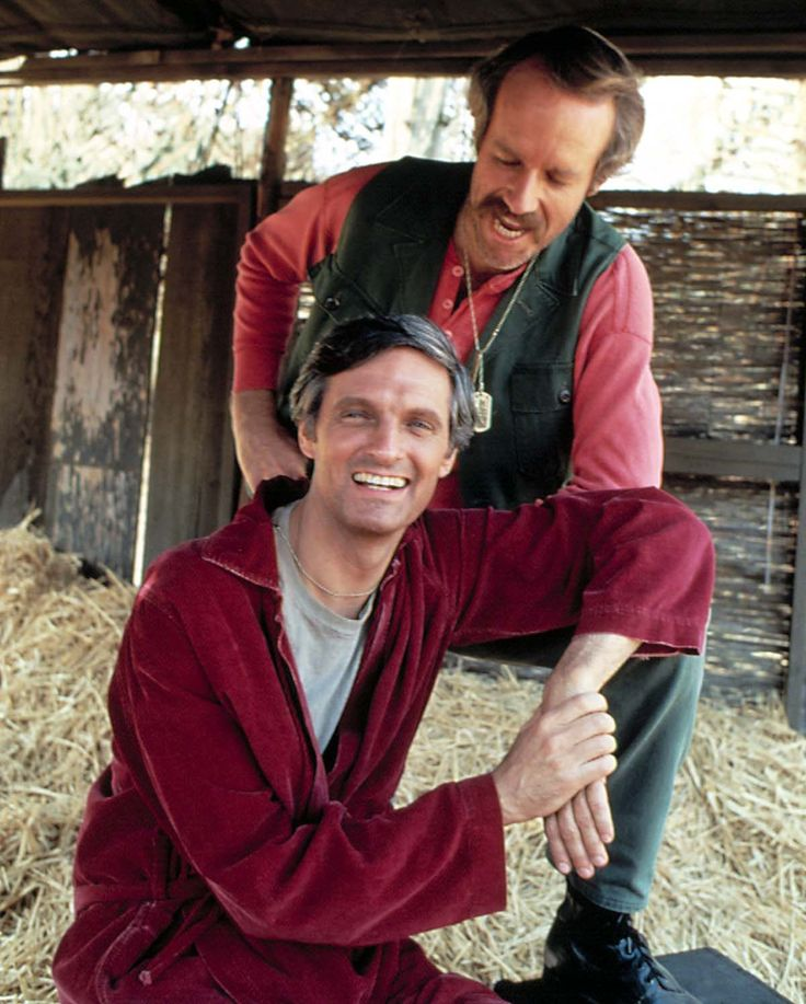 MeTV Network | 10 rare photos from the set of 'M*A*S*H'