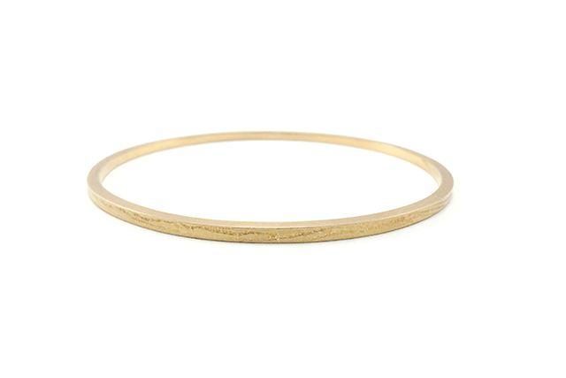 Oval gold bracelet. By Little Raw Detail, Karina Bach-Lauritsen.