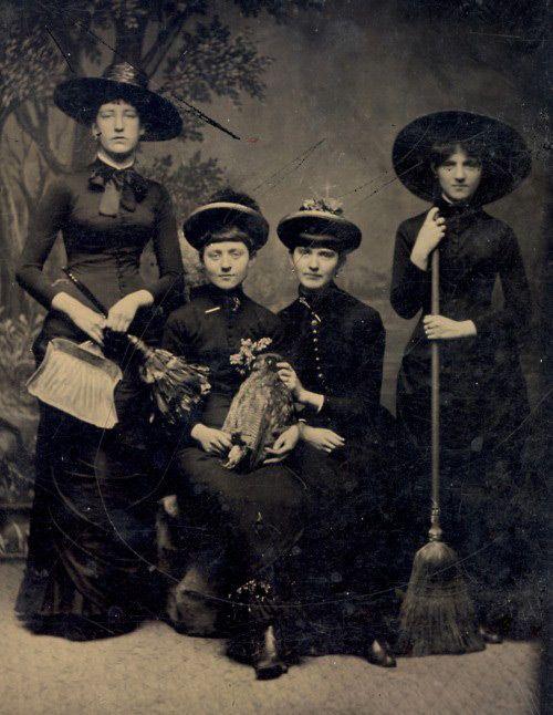 Vintage Halloween Witches
