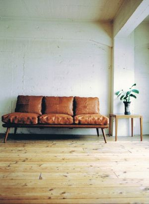 I love the simplicity of this space. It's minimal without being cold. Japanese design, I ove it!