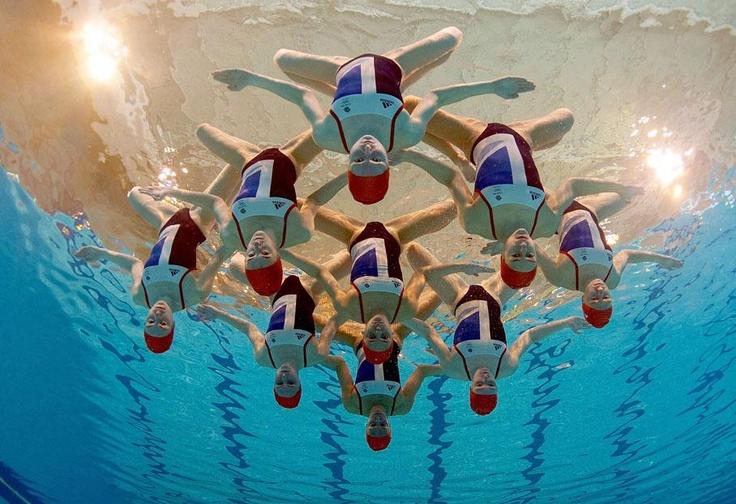 L'équipe britannique de natation synchronisée au complet à Aldershot (Royaume-Uni), le 8 mai 2012.