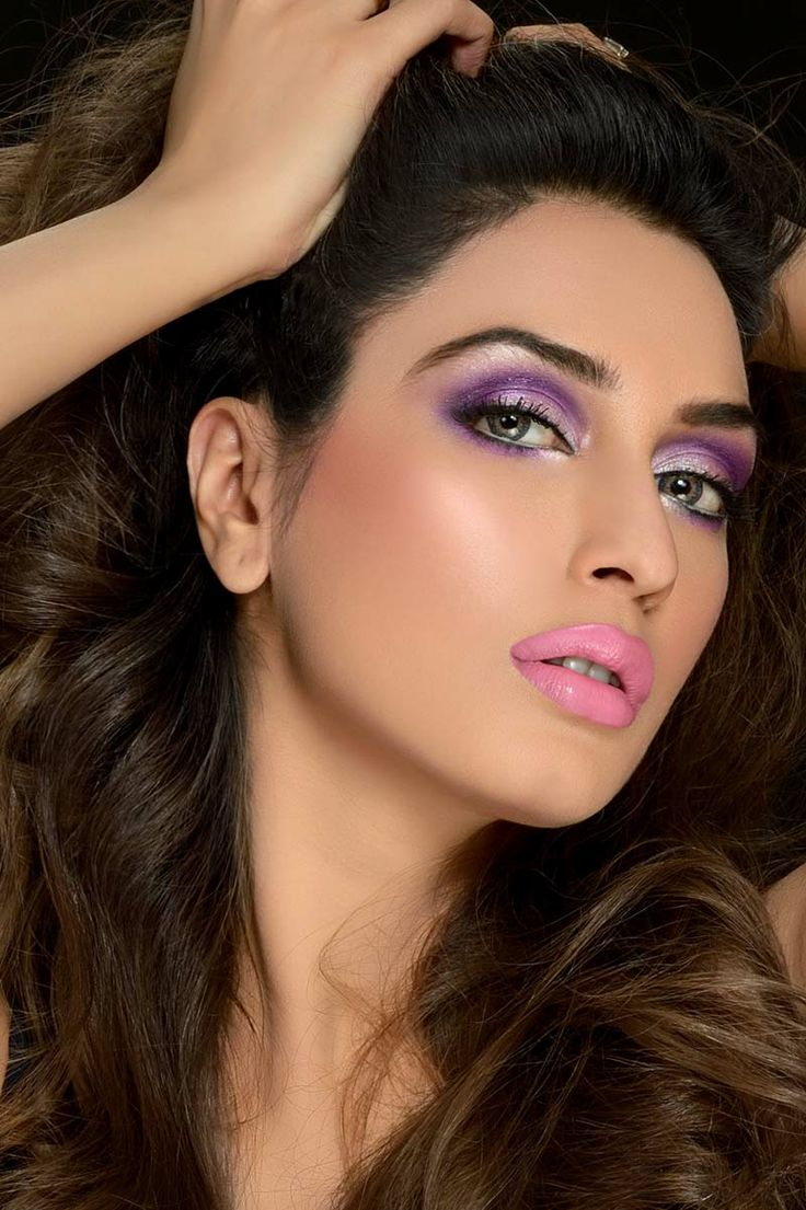 Iman Ali looks sizzling hot in a unique combination of ...