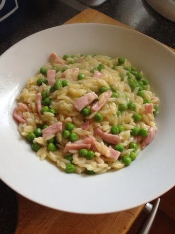 Vicki-Kitchen: Nigellas pasta risotto with bacon and peas (slimming world friendly)