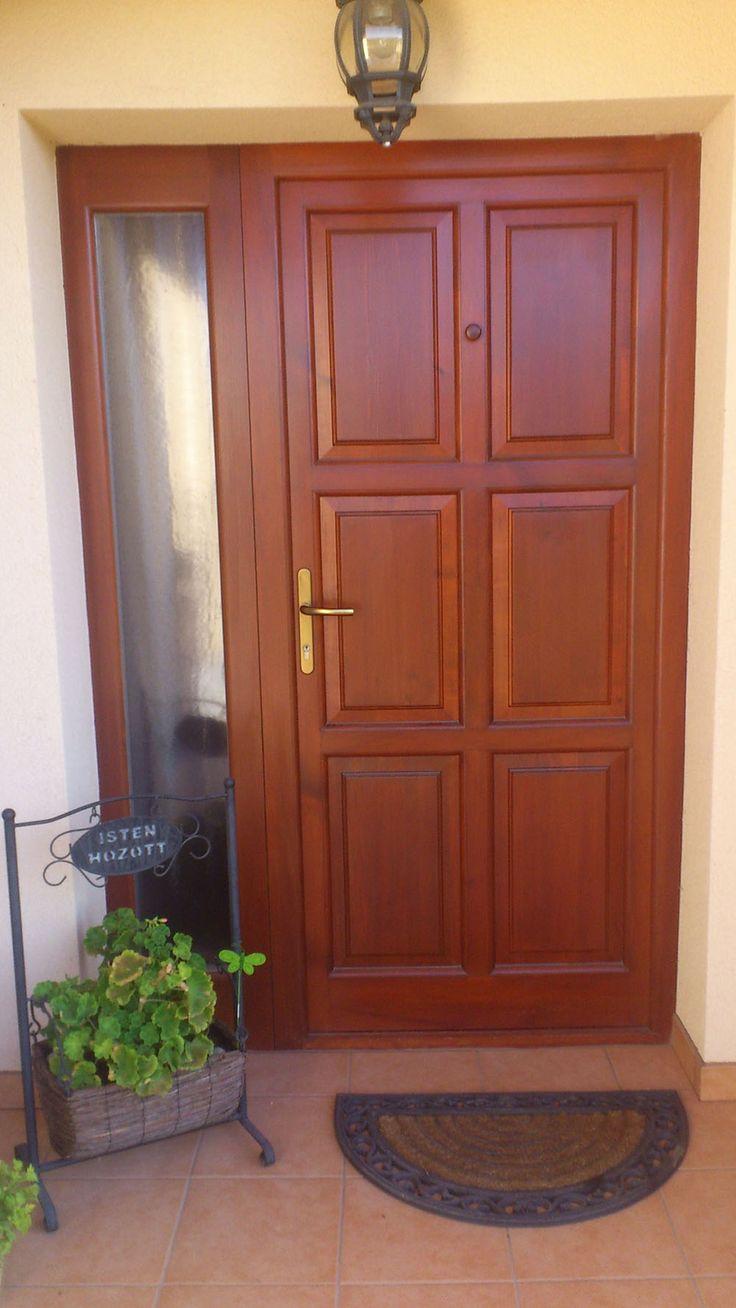 Fa bejárati ajtók - tetszetős küllem és kellő masszivitás