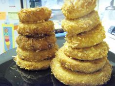 Bahama Breeze Island Onion Rings  Thick-cut and coconut breaded, with chili-horseradish and citrus-mustard dipping sauces. That's what the menu says!    A Todd Wilbur copycat recipe. This recipe comes with 2 dipping sauce recipes, but if you like, use whatever sauce you like. This makes alot of breading, so you may can half the recipe or put the excess in the freezer for next time.