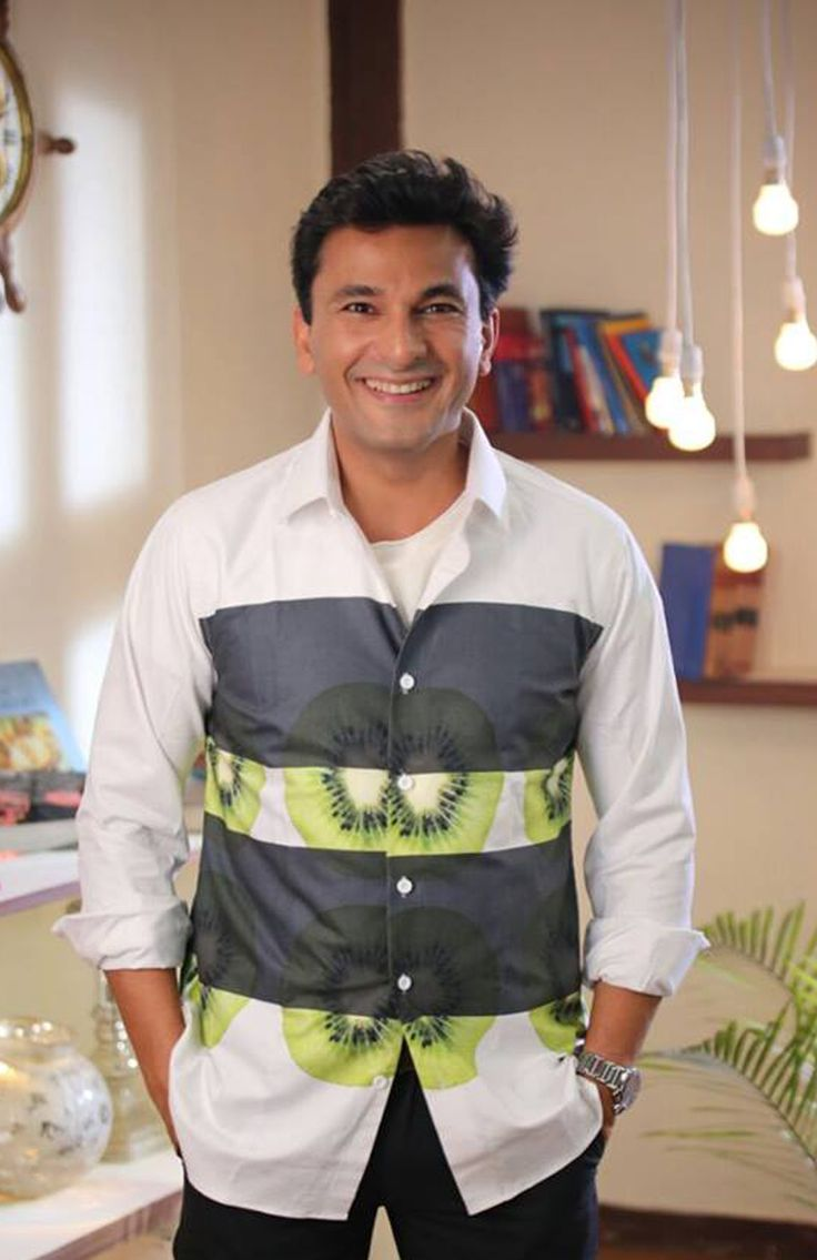 The very renowed Masterchef Judge and India's Top chef Vikas Khanna in brime's Kiwi Shirt