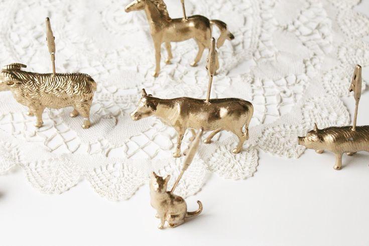 le idee della Vale: DIY Segnaposto con Animali di Plastica Dorati - Il Tutorial