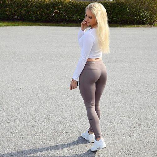 lång babes svälja i Stockholm