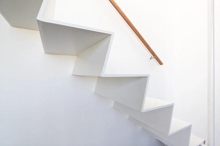1000 images about ouvrages escaliers kozac on pinterest studios bespoke and paris. Black Bedroom Furniture Sets. Home Design Ideas