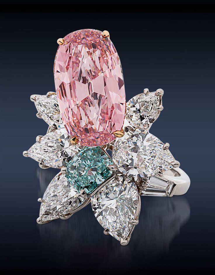 Natural Fancy Intense Pink Cushion Cut Diamond Lilia Ring in platinum with 1,11 CT Fancy Blue Green Diamond and  pear shaped diamonds,; Jacob & Co.