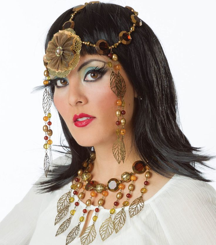 Complete your Cleopatra costume with a stunning #DIY ...