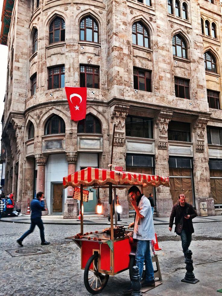 İstanbul: Türkiye..