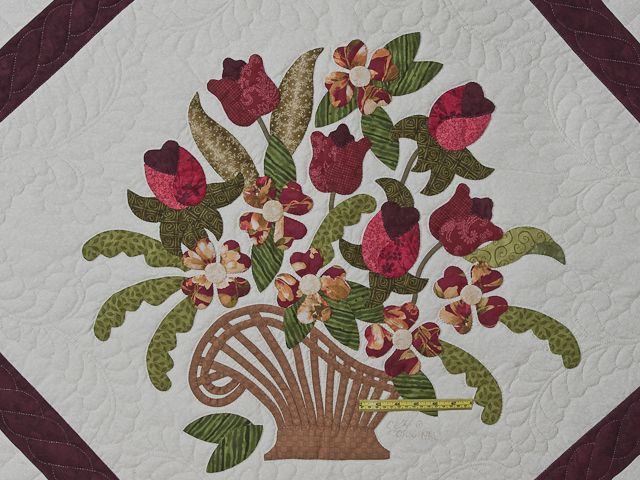 Spring Basket Quilt -- exquisite cleverly made Amish Quilts from Lancaster (hs6988)