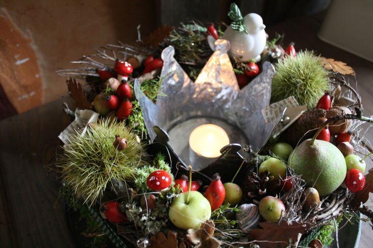 Eine Krone für den König Herbst - Tischkranz von FRIJDA im Garten - Aus einer Idee wurde Leidenschaft auf DaWanda.com