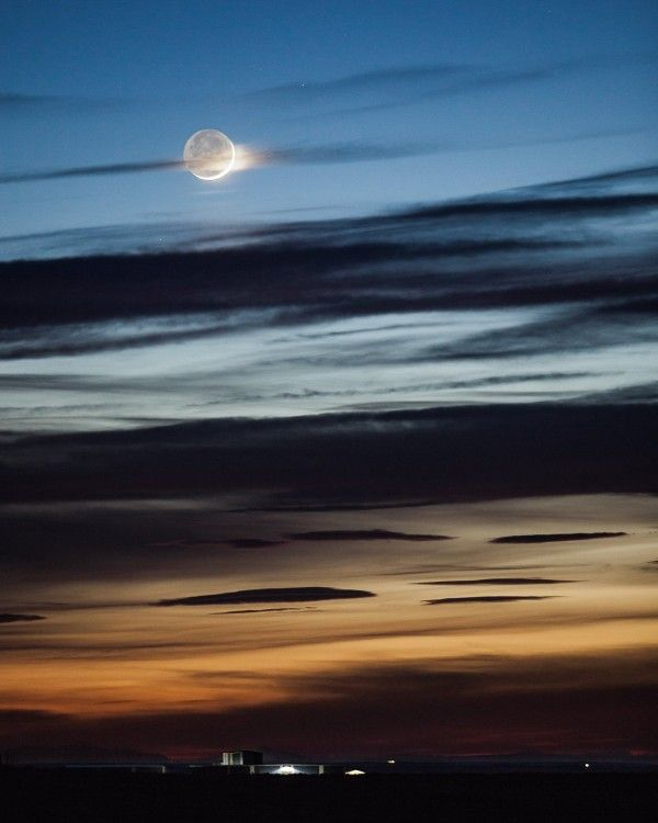 Susan Gies Jensen caught this view of earthshine from Odessa, Washington on April 8, 2016.