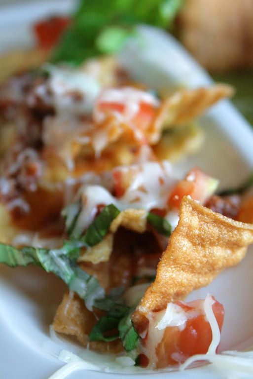 Using fried lasagne noodles to make an Italian nacho. Interesting. Gotta try this!