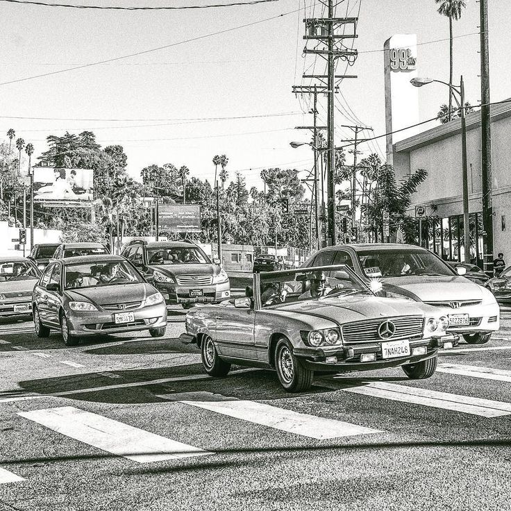 I love this Mercedes. #bw #blackandwhite #streetphotography #mercedes #car #street #silverlake #losangeles #california #usa #sony #sonyalpha #sonyimages #alpha #zeiss #carlzeiss #nikcollection